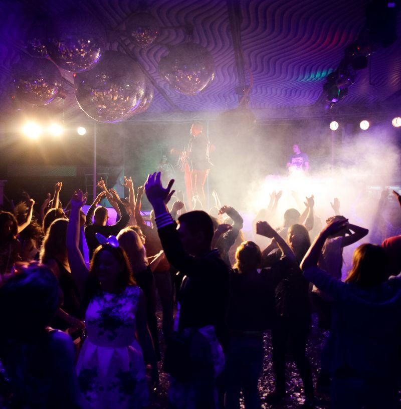 fiesta en discoteca
